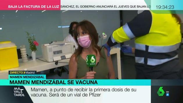 Mamen Mendizábal, durante su vacunación en