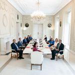 Un detalle de esta foto del Gobierno de Ayuso provoca pasmo: tan evidente que es difícil