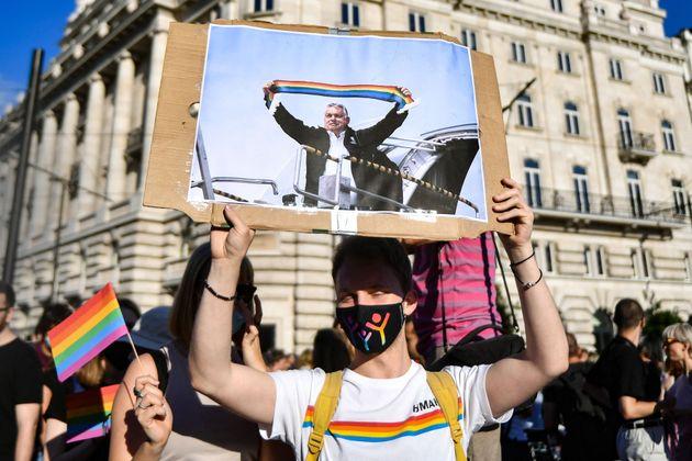 Protesta contra la ley impulsada por el Gobierno húngaro, en
