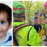 Ritrovato il bambino scomparso nei boschi del Mugello: Nicola è