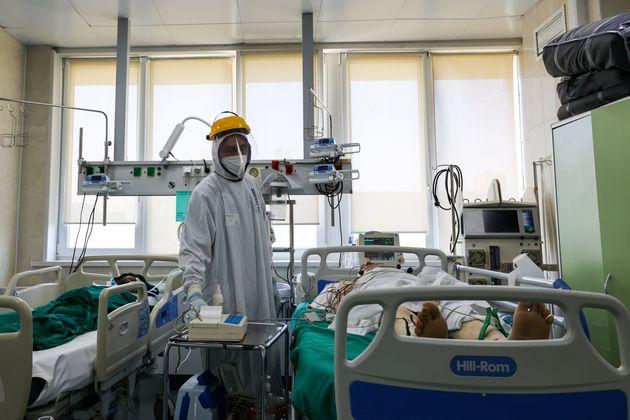 Hombre en un hospital contagiado por