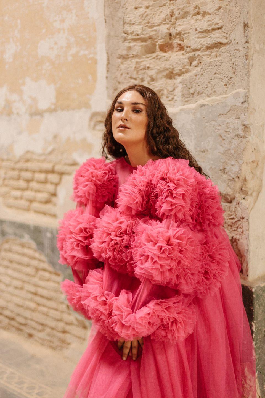 Alejandra. Vestuario: Matias Martini/ Maquillaje y Peluquería: Sarah Kceres (@sarahkceres)/ Sastra: Ana...