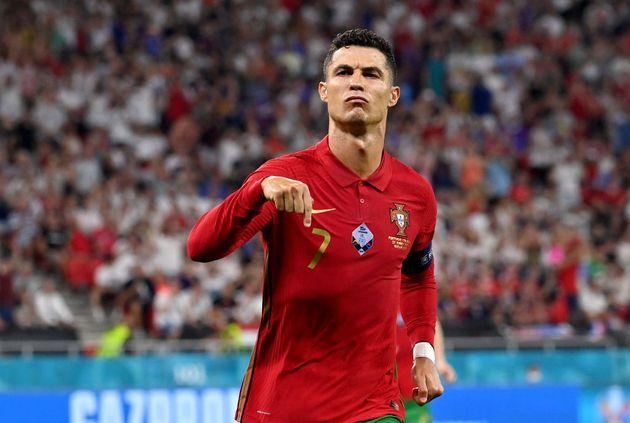 Ronaldo celebra uno de sus