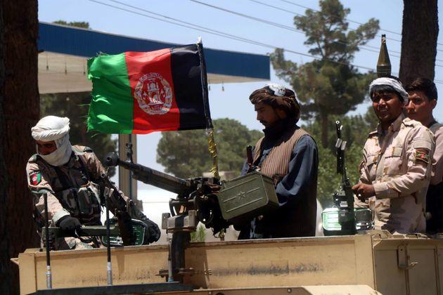 Miembros de la milicia civil