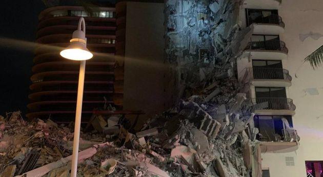 Il palazzo crollato a