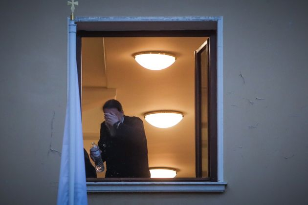 Στο Δρομοκαϊτειο οδηγήθηκε ο ιερέας που έριξε καυστικό υγρό σε