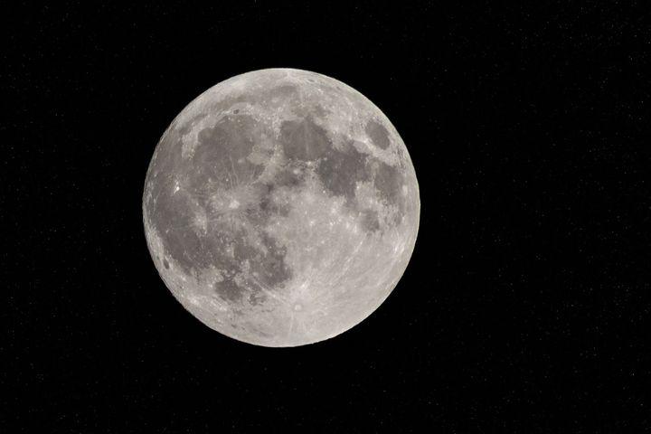 La superluna, el fenómeno que permite verla más brillante y grande de lo habitual.