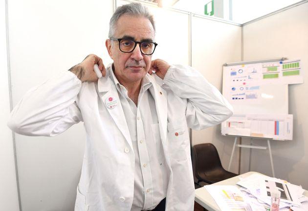Il virologo dell'Università degli Studi di Milano Fabrizio Pregliasco all'hub vaccinale di Novegro dove...