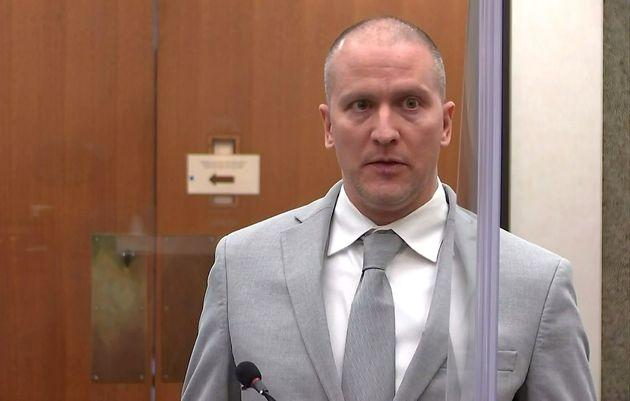 Τζόρτζ Φλόιντ: Σε 22,5 χρόνια φυλάκιση καταδικάστηκε ο αστυνομικός που τον πάτησε μέχρι