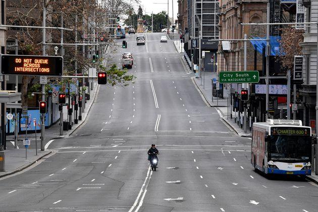 À compter de ce 26 juin, la ville de Sydney est confinée en Australie, la faute à une recrudescence du...