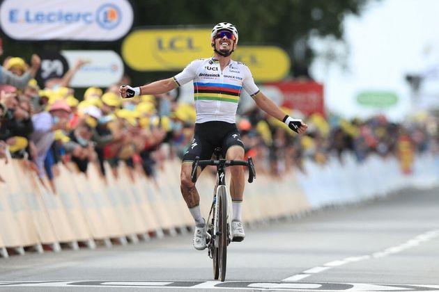 Julian Alaphilippe remporte la 1ère étape du Tour de France