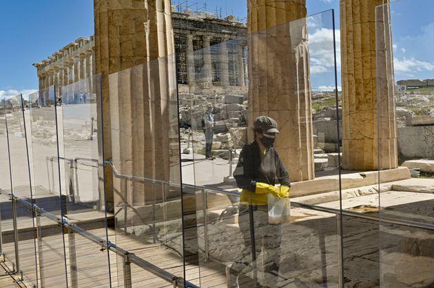 Ευκαιρίες και απειλές για τον ελληνικό τουρισμό στην εποχή του
