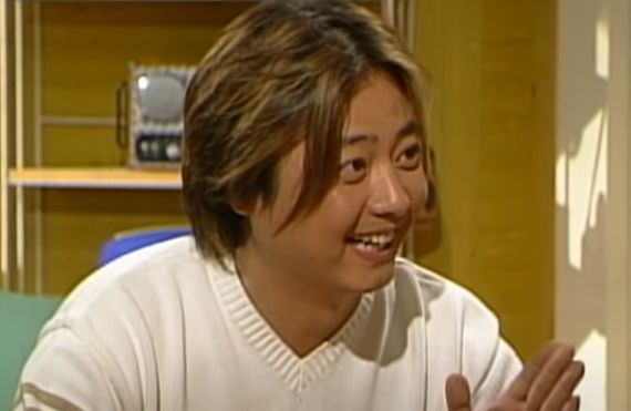 At the time of appearing in the sitcom 'Three Friends'