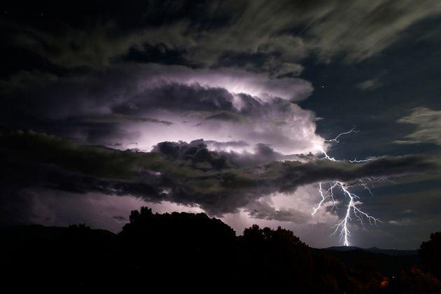 Ce lundi 28 juin, onze départements sont placés en vigilance orange par Météo France qui craint des orages...