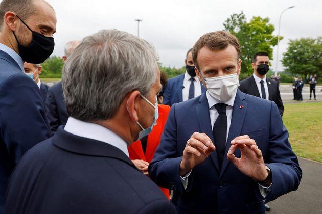 Macron félicite Bertrand au lendemain de sa victoire, qui lui parle de
