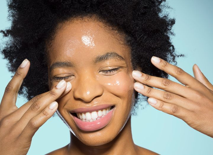 Want to glow like this? Look into skin care products that contain niacinamide.
