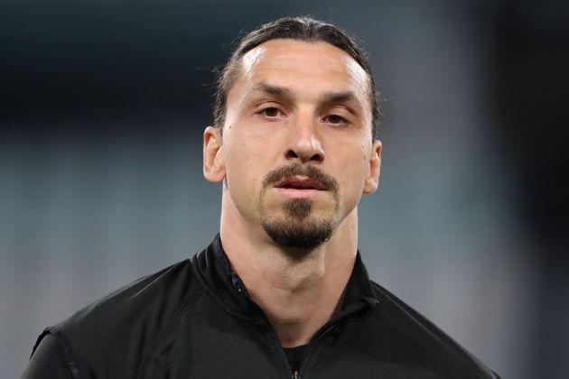 Zlatan Ibrahimovic face à la Juventus Turin le 9 mai 2021 à Turin en