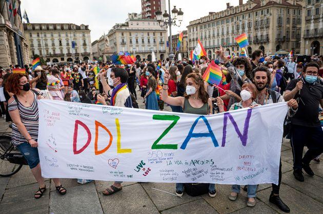 L'omosessualità è libertà umana, non una rivincita del