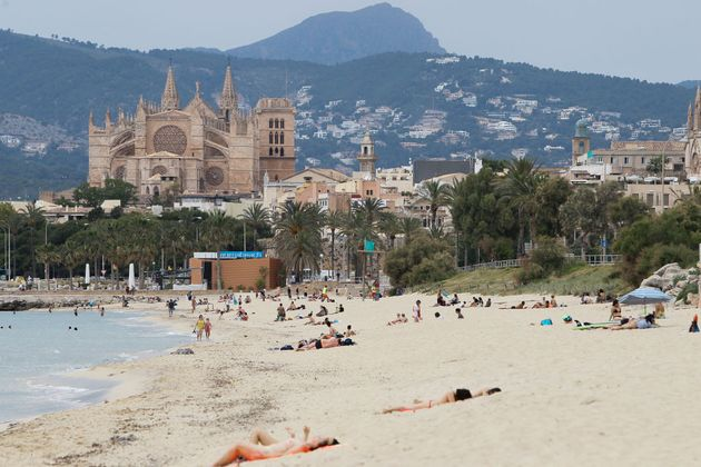 249 studenti isolati in un covid hotel a Maiorca.