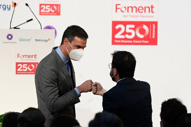 El primer encuentro institucional entre Pedro Sánchez y Pere Aragonès tuvo lugar en un...