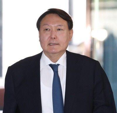 대선 출마 선언한 윤석열 전 검찰