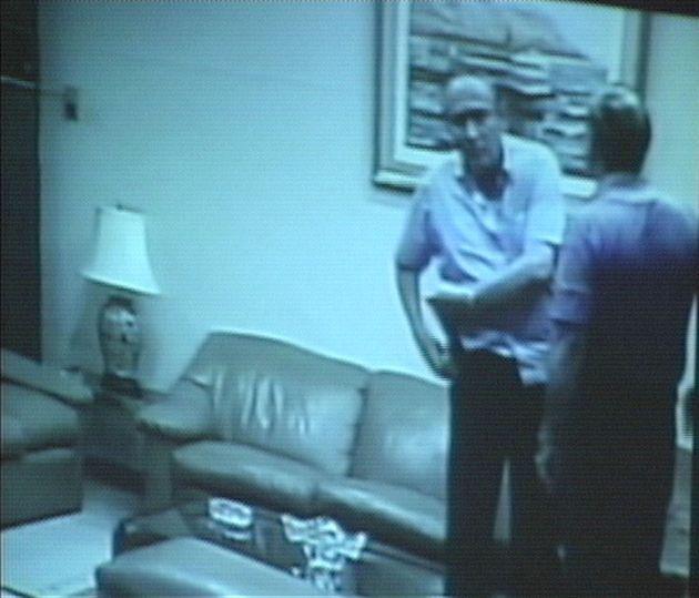 Imagen de uno de los 'vladivideos' en el que se ve al ex ministro del Interior Agustín Mantilla...