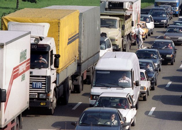 Caos autostrade in Liguria: camionisti giù dai