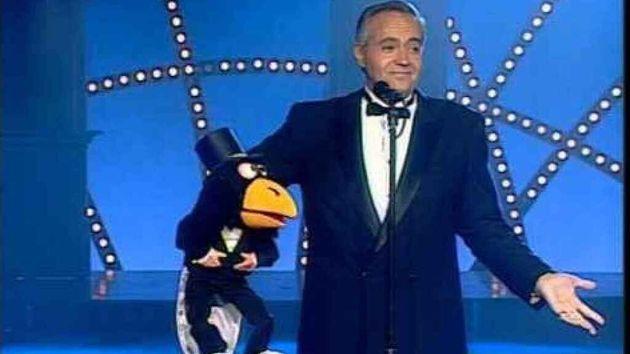 José Luis Moreno y su muñecoRockefeller (que no