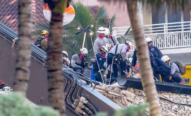 Μαϊάμι: Μακραίνει η λίστα των νεκρών από την κατάρρευση, εντολή εκκένωσης δεύτερου