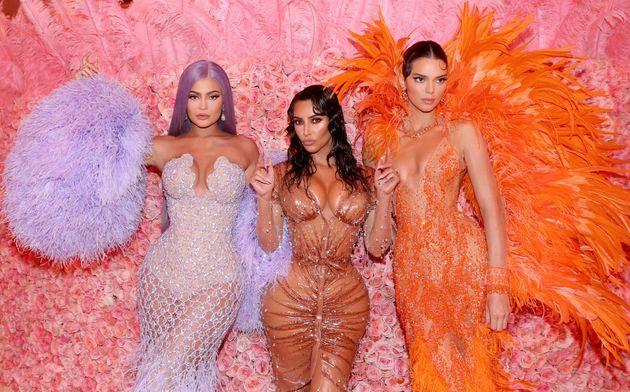 Las Kardashian-Jenner, acusadas de retocar sus fotos hasta la