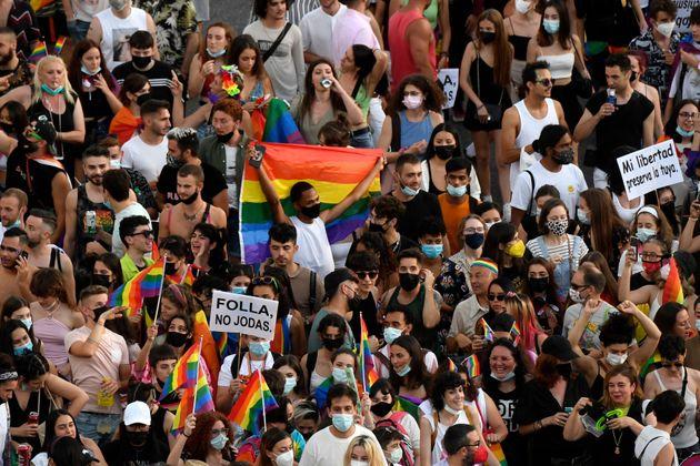 Participantes en la marcha del Orgullo 2021 en