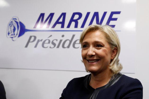 """Marine Le Pen: """"Non torneremo al FN"""". Il 25enne Bardella guiderà ad interim il"""