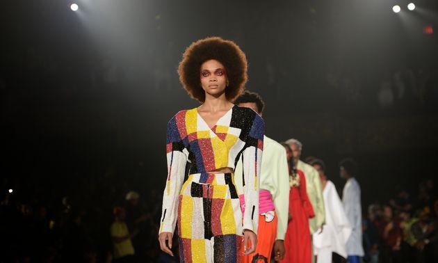 Kerby Jean-Raymond à la Fashion Week de Paris, un invité pas