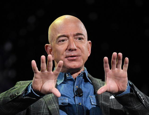 À partir de ce lundi 5 juillet, Jeff Bezos va délaisser la gestion quotidienne d'Amazon, une entreprise...