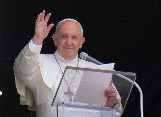 Le pape, opéré dimanche, va bien et restera hospitalisé 7 jours (Photo prise le...