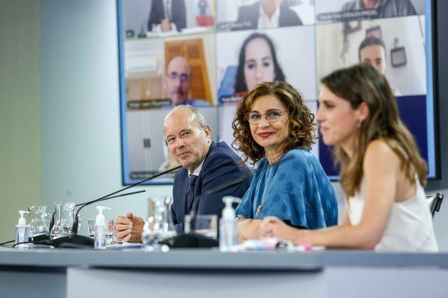 Juan Carlos Campo, María Jesús Montero e Irene