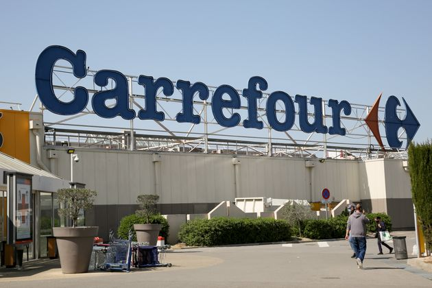 MARSEILLE, FRANCE - 2021/04/03: Logo of the Carrefour hypermarket. (Photo by Denis Thaust/SOPA Images/LightRocket...