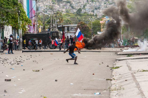Protestas contra el referéndum constitucional del presidente Moïse en Puerto Príncipe, a finales del...