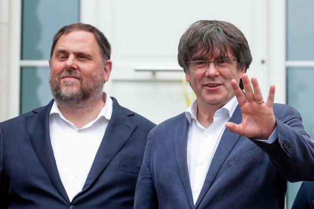 Oriol Junqueras y Carles Puigdemont, en su reencuentro en