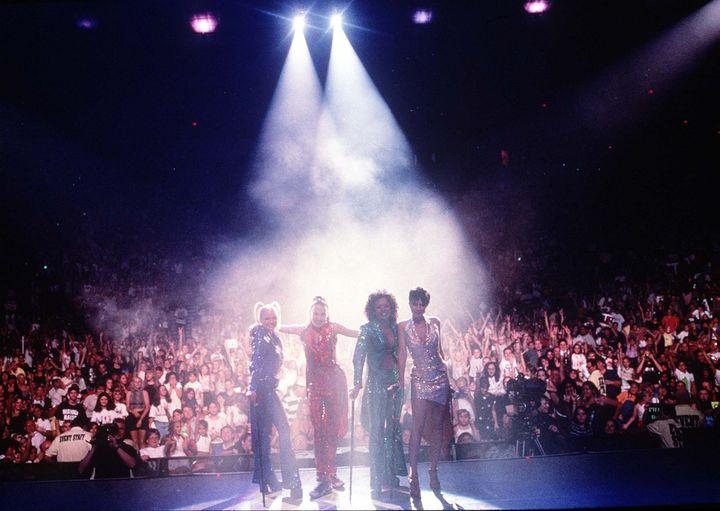 Concierto en Wembley (Londres) de las Spice Girls en 1998.