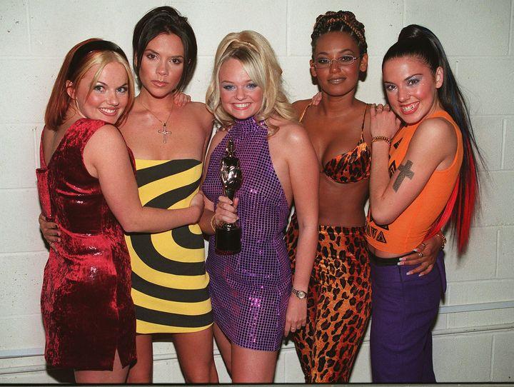 Las Spice Girls en los Brit Awards en 1998.