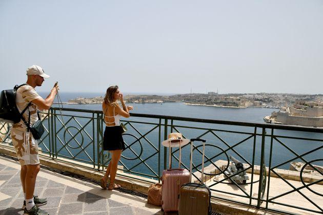 Des touristes à La Valette, capitale de Malte, le 1er juillet