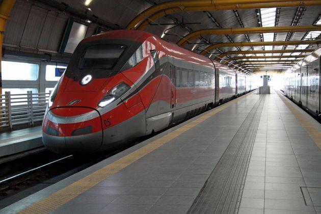 Il primo Frecciarossa 1000 di Trenitalia, eccellenza dell'alta velocità made in Italy, è arrivato alla stazione dell'aeroporto di Fiumicino proveniente da Venezia Mestre, 9 dicembre 2018. ANSA/ TELENEWS