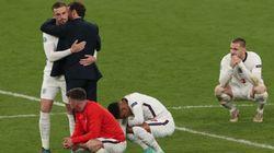 El gesto de los jugadores de Inglaterra tras perder indigna a muchos periodistas