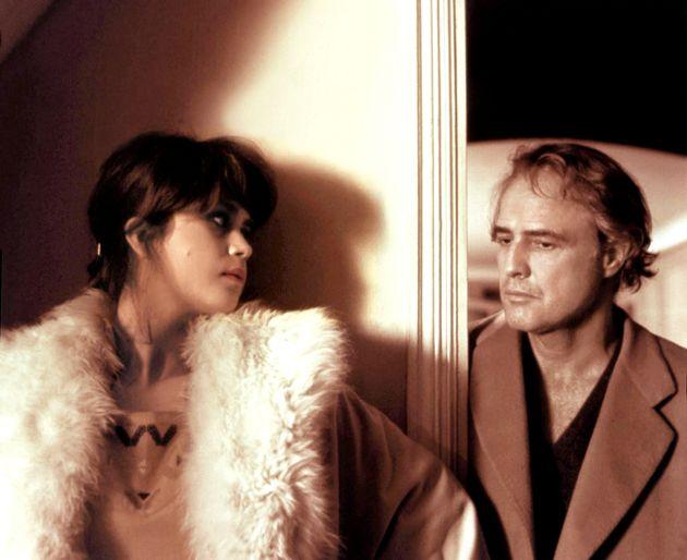 Maria Schneider e Marlon Brando sul set di