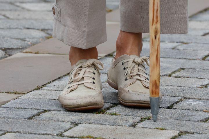 Detalle del calzado de la reina Letizia este lunes.