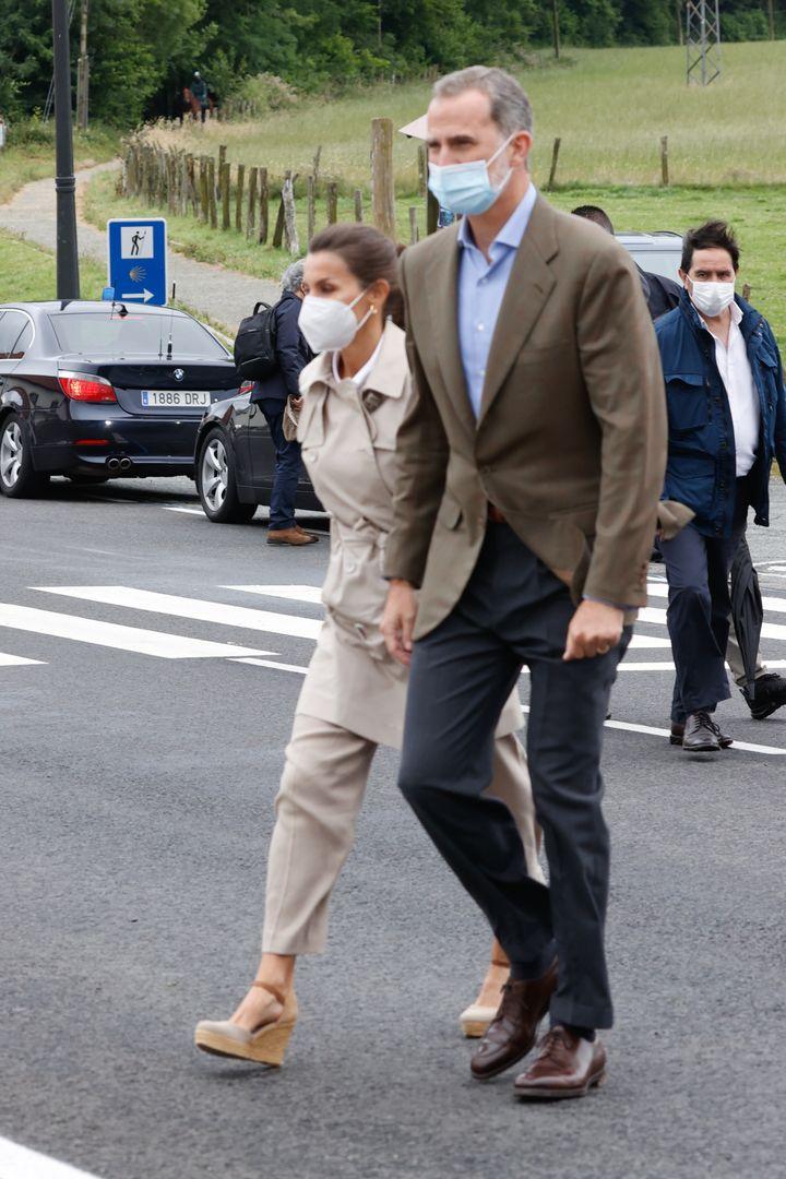Los reyes Felipe y Letizia, este lunes en Roncesvalles.
