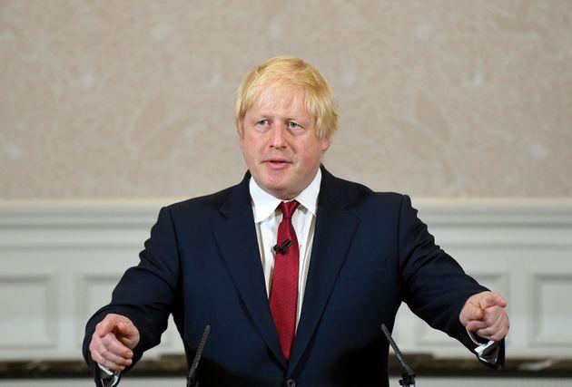 Malgré la hausse des hospitalisations, Londres confirme son déconfinement (Photo de Boris...