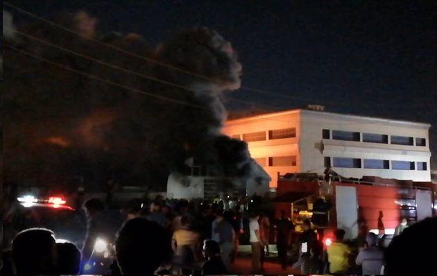 Incendio en el Hospital Universitario de Al Huseín, en Nasiriya,