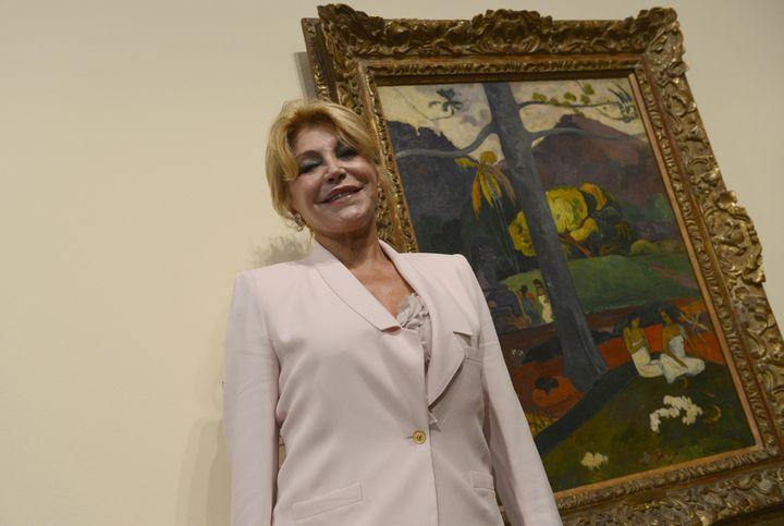La baronesa Carmen Thyssen-Bornemisza, delante del cuadro de Paul Gauguin 'Mata Mua'.
